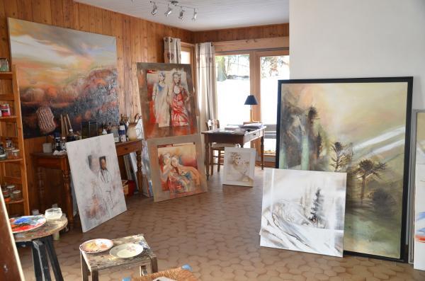 peintures dans l'atelier